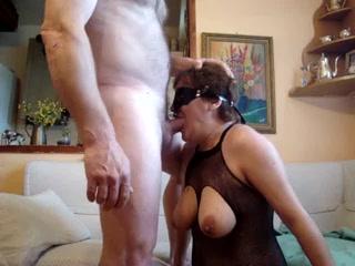 Sexe avec grand mere elle avale le sperme